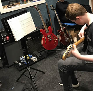 Doncaster Guitar School - Picture 16
